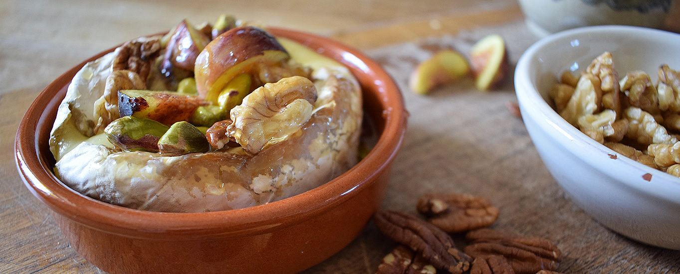 Baked Brie with Pecan and Fig